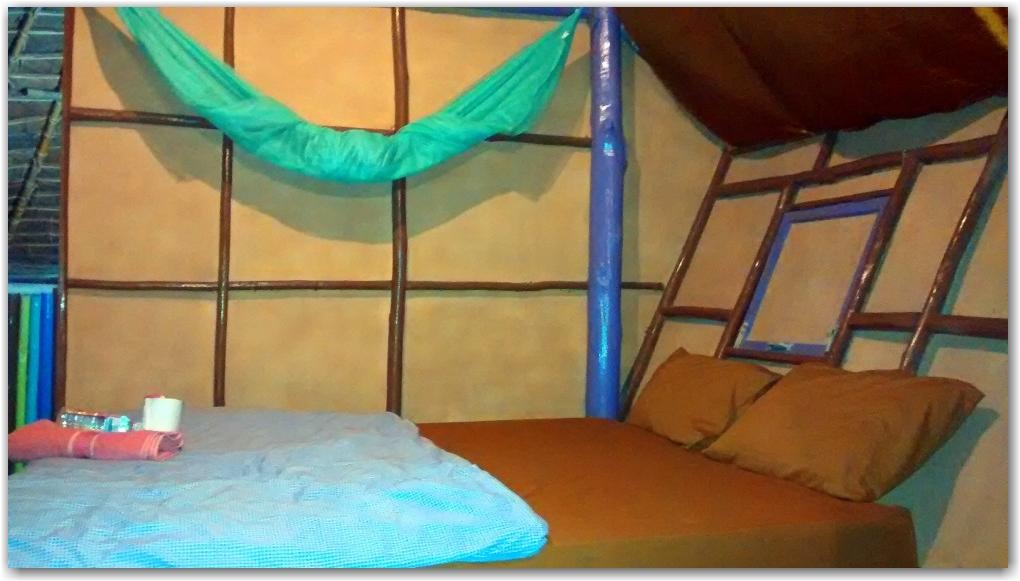 purple monkey guesthouse pai thailand