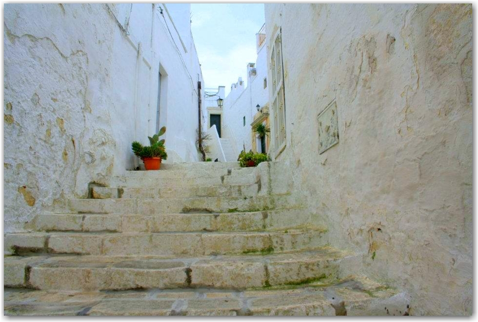 capture the colour 2013 white: ostuni, Italy